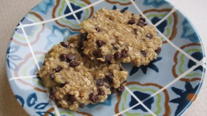 Just 3 ingredients: mashed banana, oats, and mini chocolate chips!